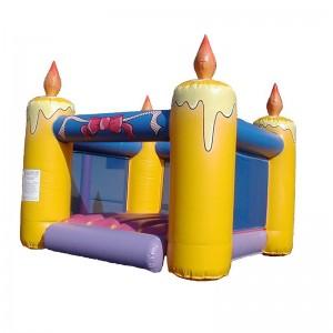 château gonflable gâteau anniversaire